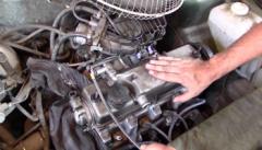 Как определить, что стучит в двигателе?