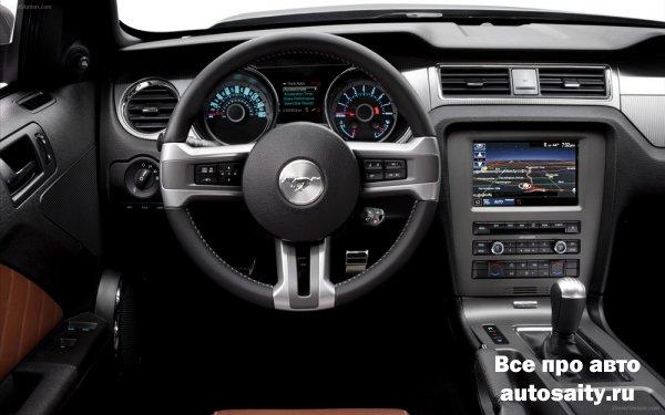 Обзор автомобиля Ford Mustang GT 2013